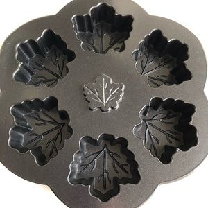 Nordic Ware maple leaf muffin pan Thanksgiving